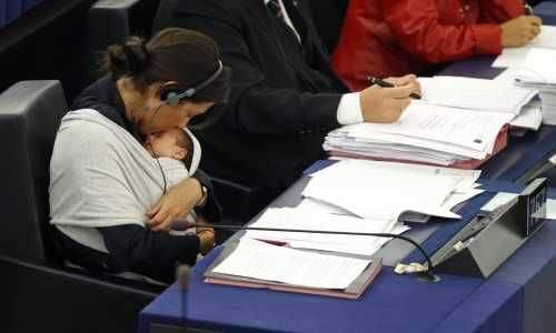 Milletvekilinden bebekli eylem 5