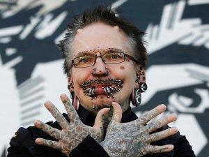 Piercing rekortmeni Rolf Buchholz Dubai'ye alınmadı