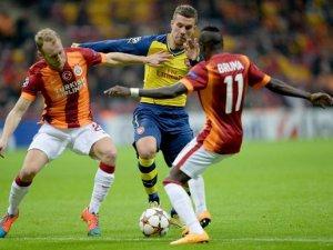 Galatasaray Podolski'yi Elinden Kaçırdı