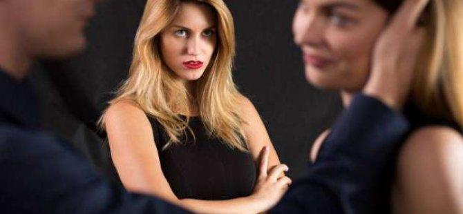 Duygusal ve Cinsel Aldatma Nedir?