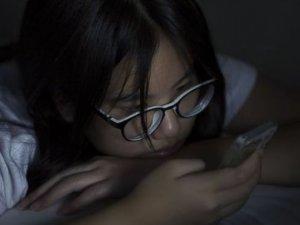 İngiliz Çocukların Yarıya Yakını Uyumadan Önce..