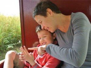 Anne Babalık Becerileri Çocukları Geliştiriyor