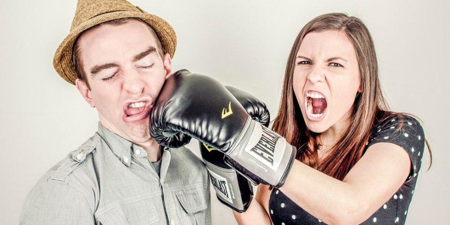 Çiftler en çok arabadayken boşanmaya karar veriyor… Peki ama neden?