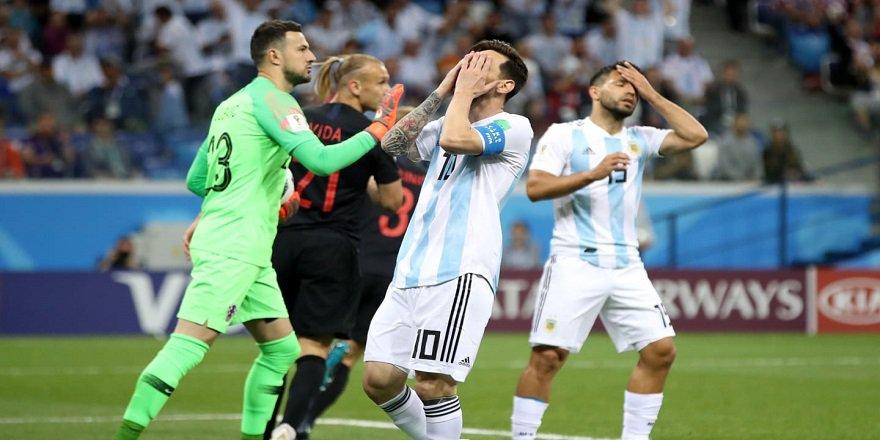 FIFA Dünya Kupası D Grubu'nda Arjantin, Hırvatistan'a 3-0 mağlup oldu