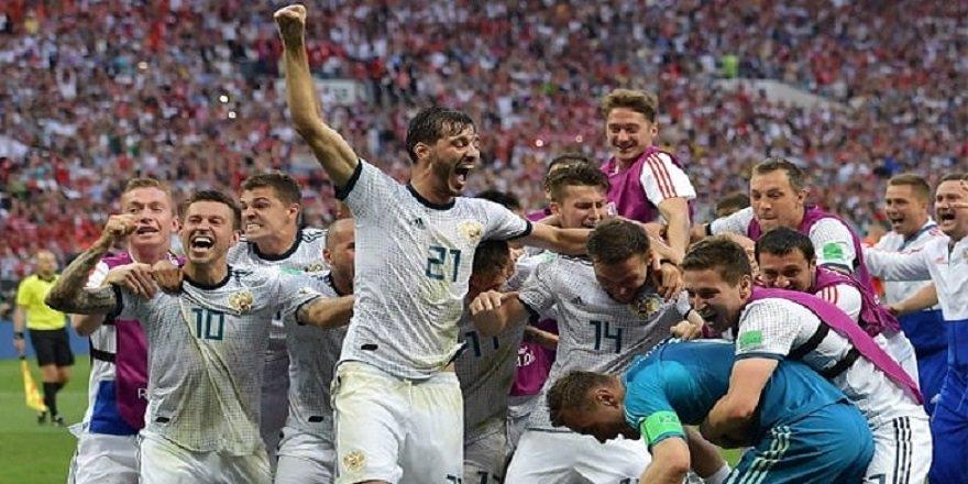 Penaltılarda İspanya'yı yenen Rusya çeyrek finale yükseldi