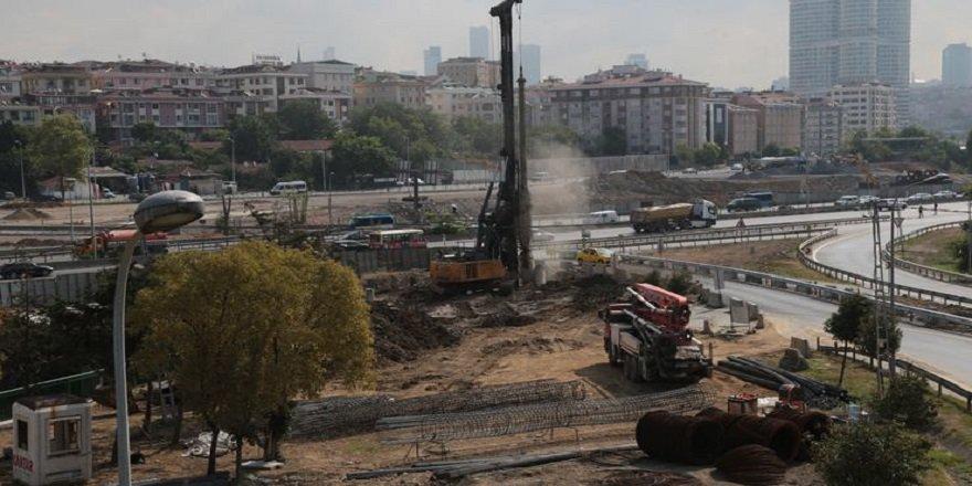 Kadıköy'de iş makinesi doğalgaz borusunu patlattı!