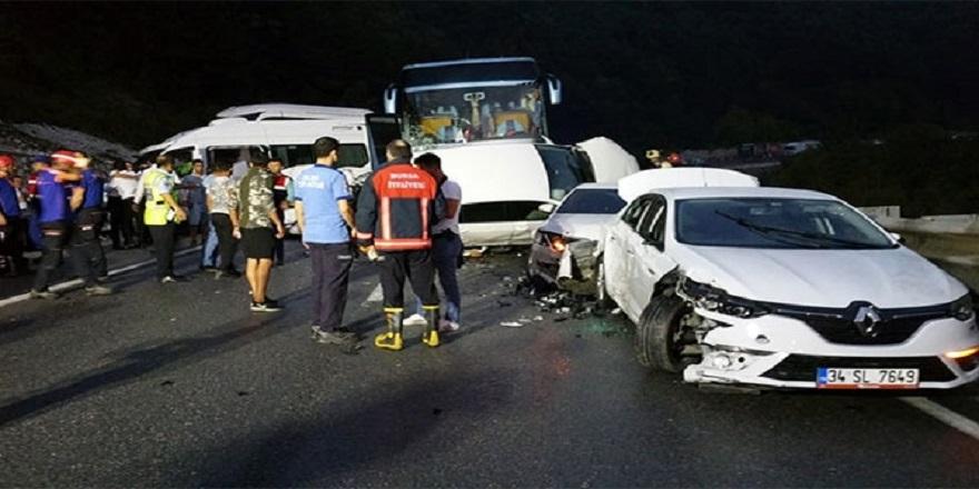 31 Araç Birbirine Girdi:1 Ölü 14 Yaralı