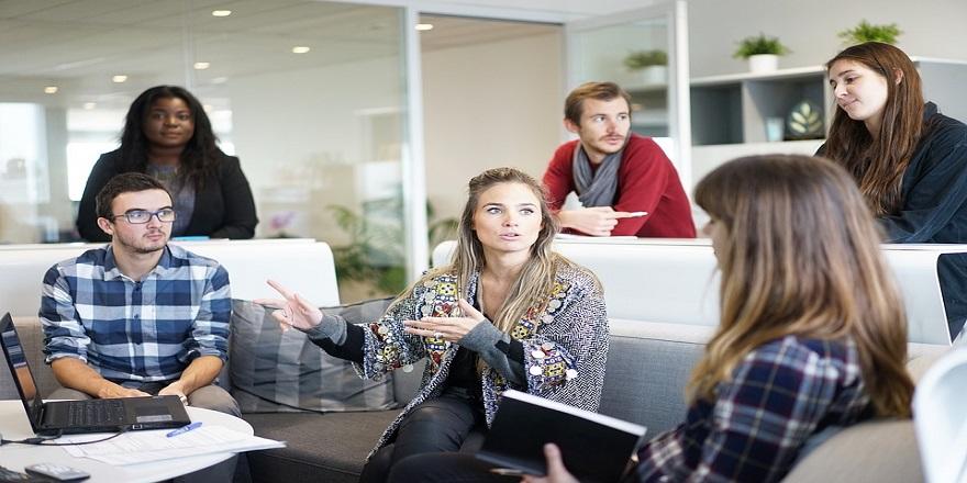 """""""Şirket çalışanları psikolojilerini etkileyen problemlerini saklamaya çalışıyor"""""""