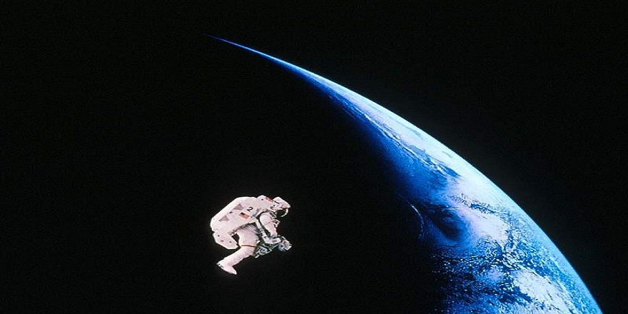 Uzaydan tweet atmanın psikolojisi