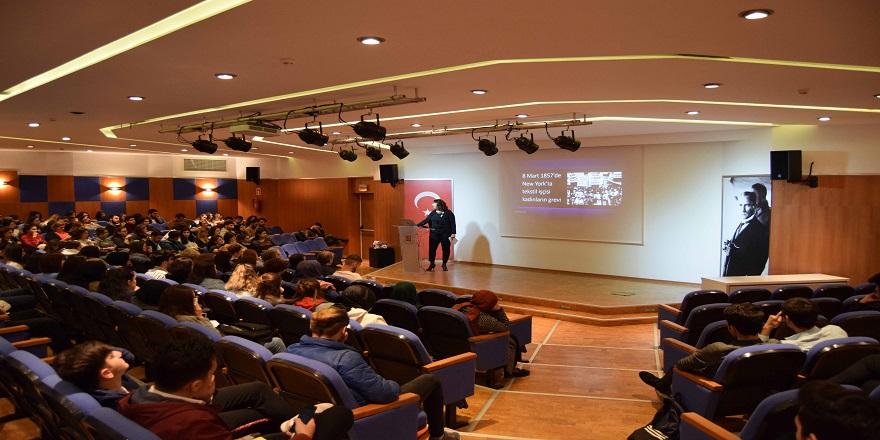 """Beykoz Üniversitesi'nden """"Toplumsal Cinsiyet Eşitliği"""" Konferansı"""