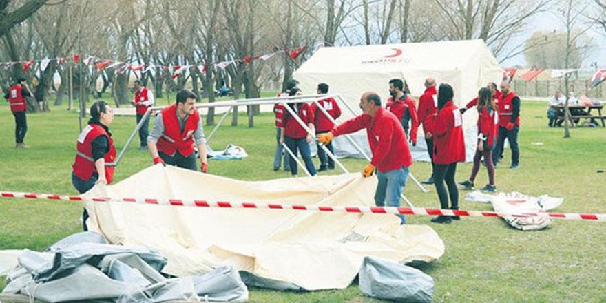 Denizli'de depremden etkilenen çocuklara psikolojik destek