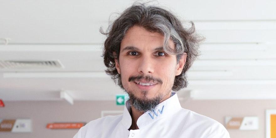 """Psikiyatrist Mehmet Çevik: """"Takıntı hastalık olarak kabul edilmeli"""""""
