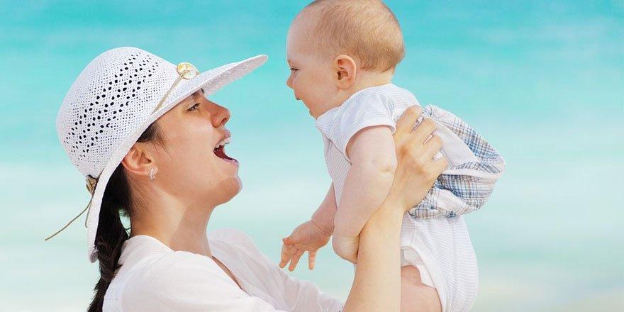 Bebekleri kucağa alma alışkanlığına dikkat