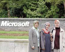 Microsoft'ta başörtüsü 'error' vermiyor!