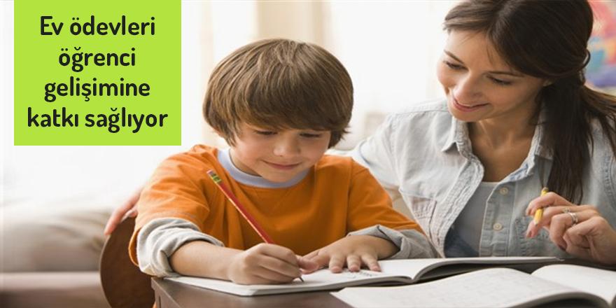 """""""Ev ödevleri öğrenci gelişimine katkı sağlıyor"""""""