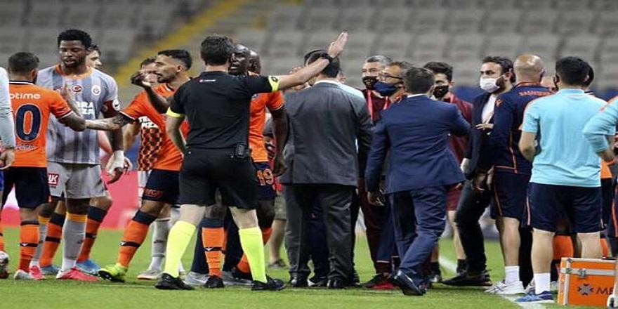 Başakşehir - Galatasaray maç sonu gerginlik!