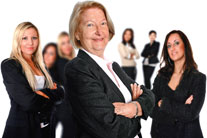 Kadın yöneticiler hemcinslerini geriyor