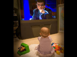 0-2 yaş çocuklara TV zararlı