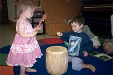 Müzik dinleyen bebekler daha çabuk büyüyor