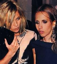 Versace'nin anoreksik veliahtına sahip çıktı!