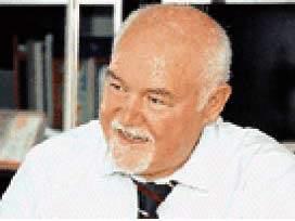 Prof. Dr. Esat Oğuz Göktepe vefat etti
