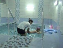 Büyükşehir özürlüler için su terapisi başlattı