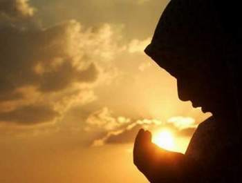 Dua İnsanın Özgürleşmesini Sağlıyor