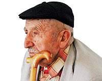 Yaşlılar Giderek Yalnızlaşıyor