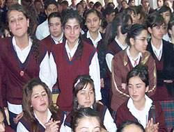 Kendilerini ifade edemeyen kızlara eğitim desteği