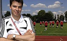 Futbol hakemlerine İsviçreden psikolog