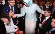 Engelli çocuk Hayrünnisa Gülü ağlattı
