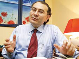 Prof.Dr. Nevzat Tarhan'a Ödül