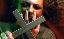 Şeytanı çıkarmak için intihar etti