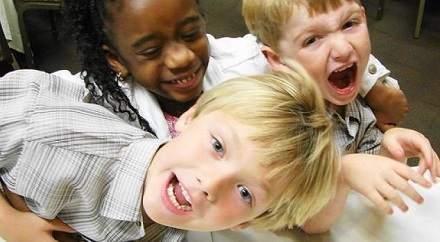 Çocuklarda Hiperaktivite Belirtileri