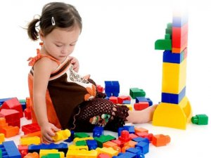 Çocuklar İçin Oyuncak Seçimi Nasıl Yapılmalı?
