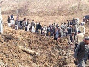 Afganistan'da Ölü Sayısı 2100'ü Geçti