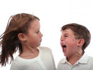 Kıskançlık Çocuğun Psikolojisini Bozuyor!