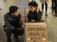 11 yaşındaki çocuktan metro durağında psikolojik destek!