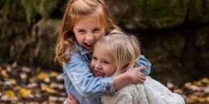 Özgür ve mutlu bir çocuk nasıl yetiştirilir: 9 basit sır