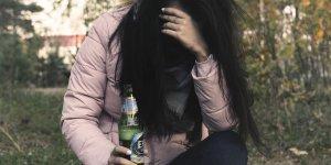 Alkol bağımlılığının zararları nelerdir? Tedavide psikolojik destek çok önemli!