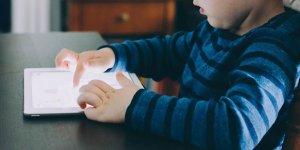 Öğretmenden 'Dijital kültürde çocuk yetiştirmek' kitabı