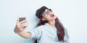 Kadınlar neden seksi selfie paylaşıyor