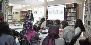 Kütüphaneden Gençlere Psikolojik Destek