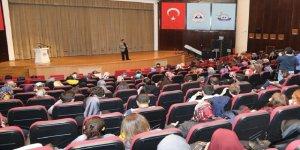 """ERÜ'de """"Evlilik Okulu Seminerleri"""" Başladı"""