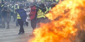'Sarı yelekliler' protestosunda ölüm!