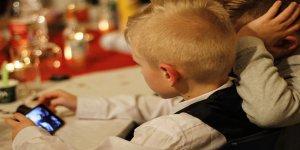 Psikolog Efsun Tatar: Çocuklara 14 yaşından önce telefon alınmamalı