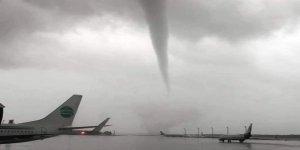 Antalya Havalimanı'nda hortum faciası... Antalya Valisi: Zaruri olmadıkça dışarı çıkmayın