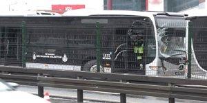 Metrobüsler çarpıştı: 1 yaralı