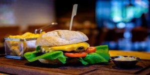 Fast food ve psikolojik hastalıklar arasında bağ olduğu tespit edildi