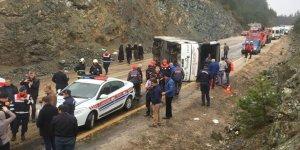 Bursa'da otobüs şarampole yuvarlandı